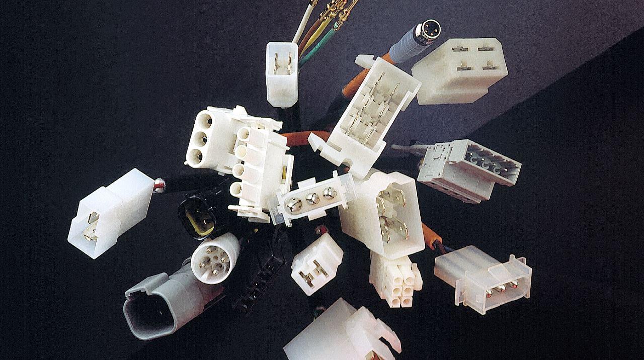 verschiedene kundenspezifische Kabel